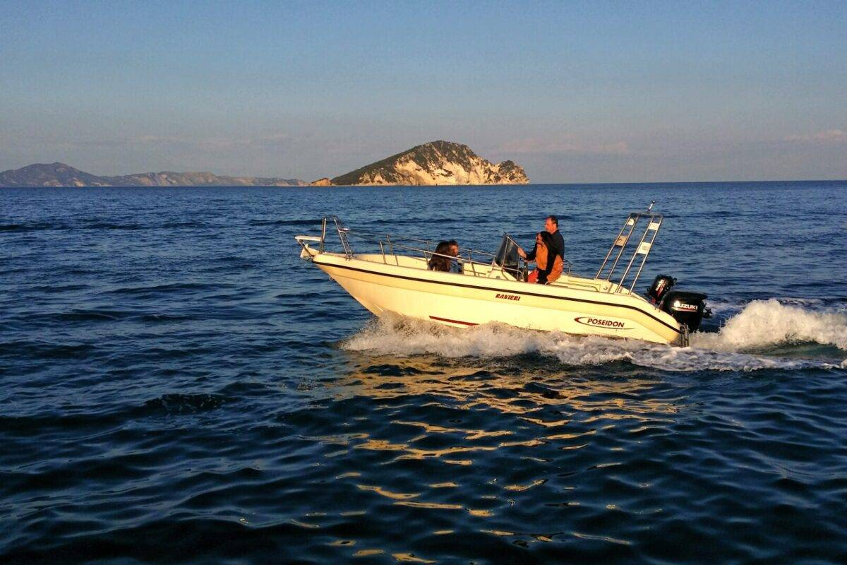 Poseidon R 590 mit 115 PS und Trailer